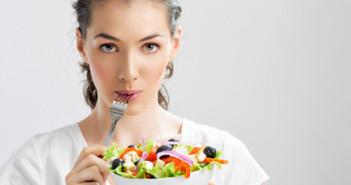 Kdy a co jíst? Co náš organismus zbytečně zatěžuje?