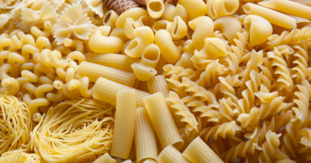 Těstoviny z tvrdé pšenice tzv. semolinové těstoviny jsou zdravé, nepřiberete z nich a zasytí vás.