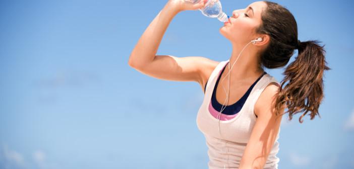 Žízeň je totiž stav, při kterém v těle chybí přibližně 1% vody.